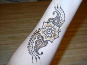 Henna flower and paisley combo by professional Orlando henna artist