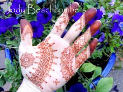 Mauratainian henna design with day 1 stain by Jody Beachcombers